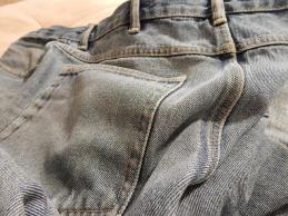 Custom-made jeans at your service